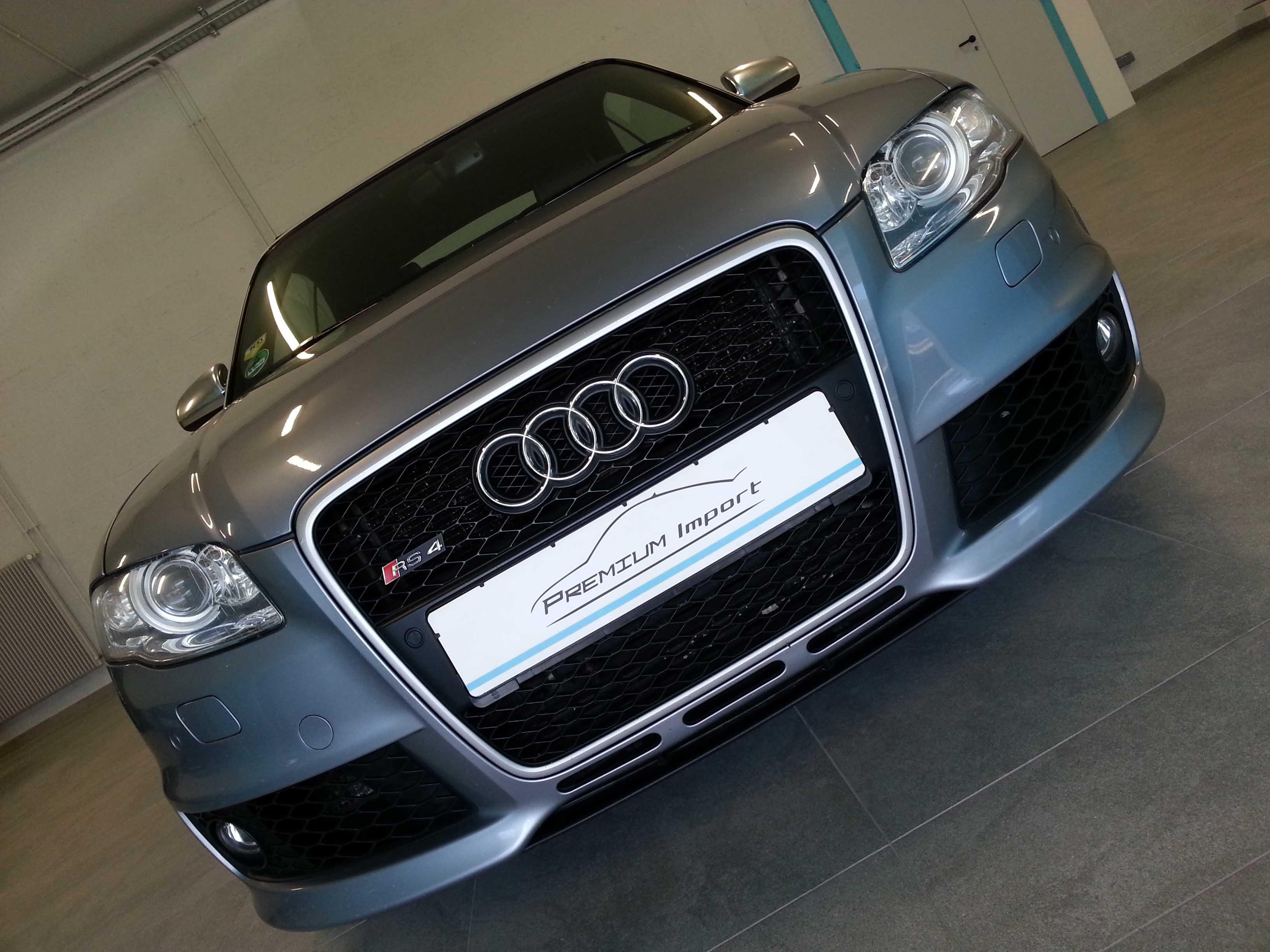 Audi RS4 Cabriolet 4.2 FSI