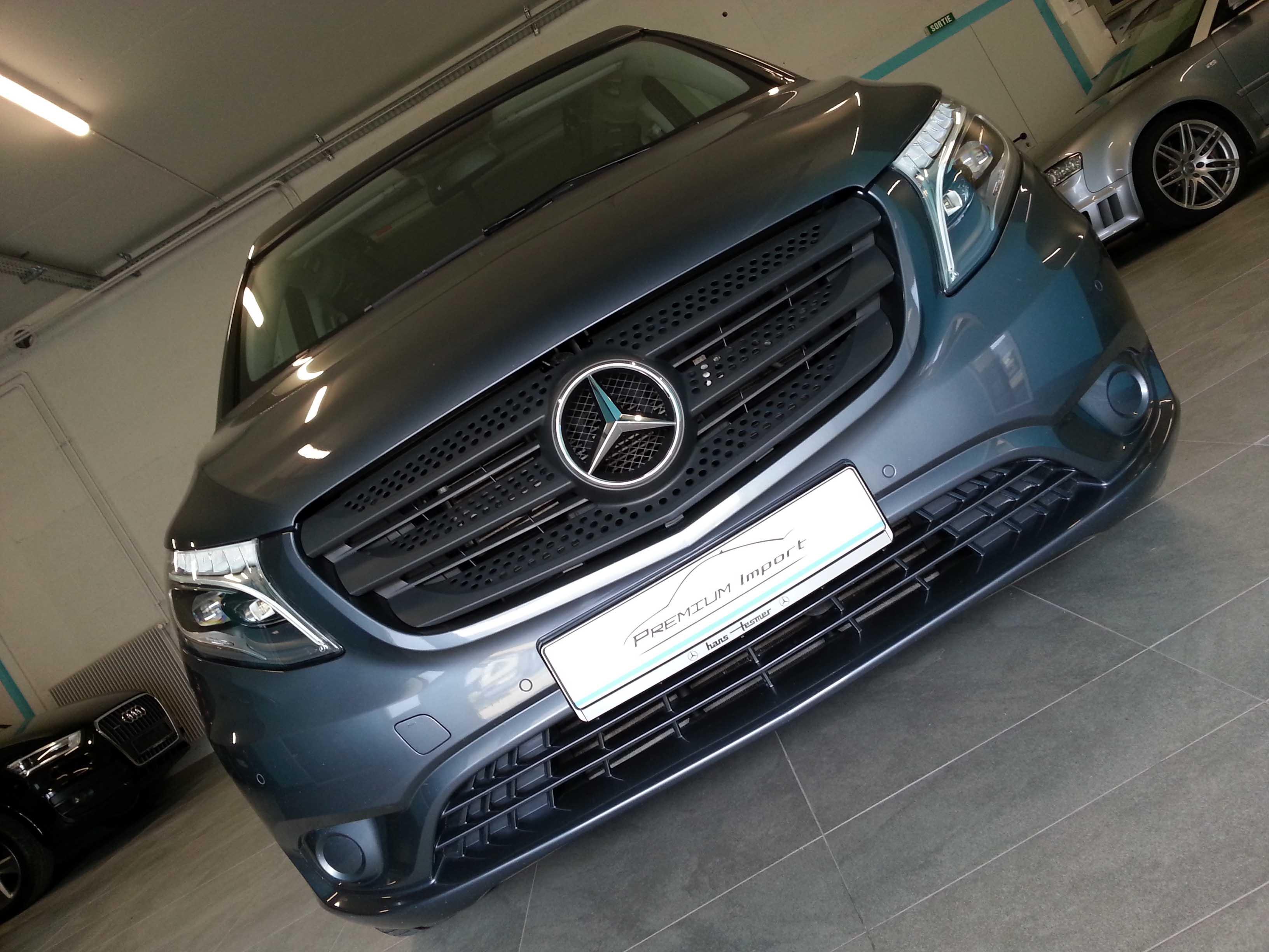 Mercedes-Benz V220d