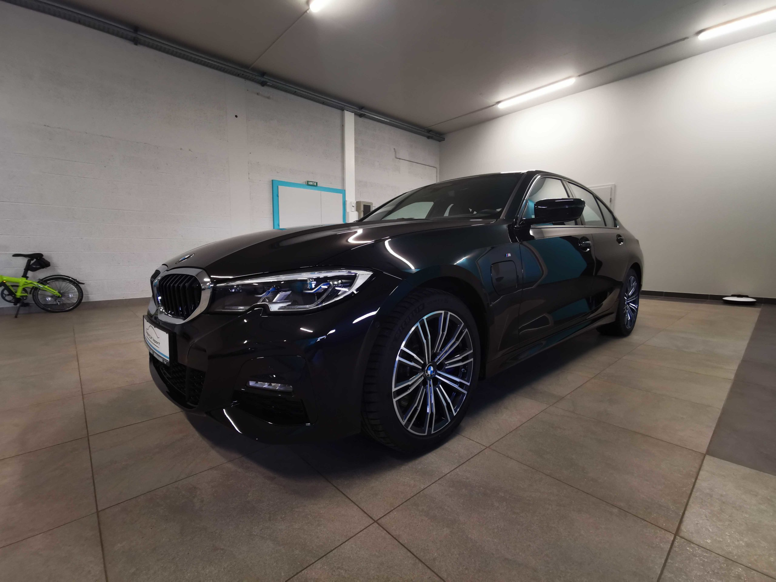Read more about the article BMW 330eA G20 Pack M