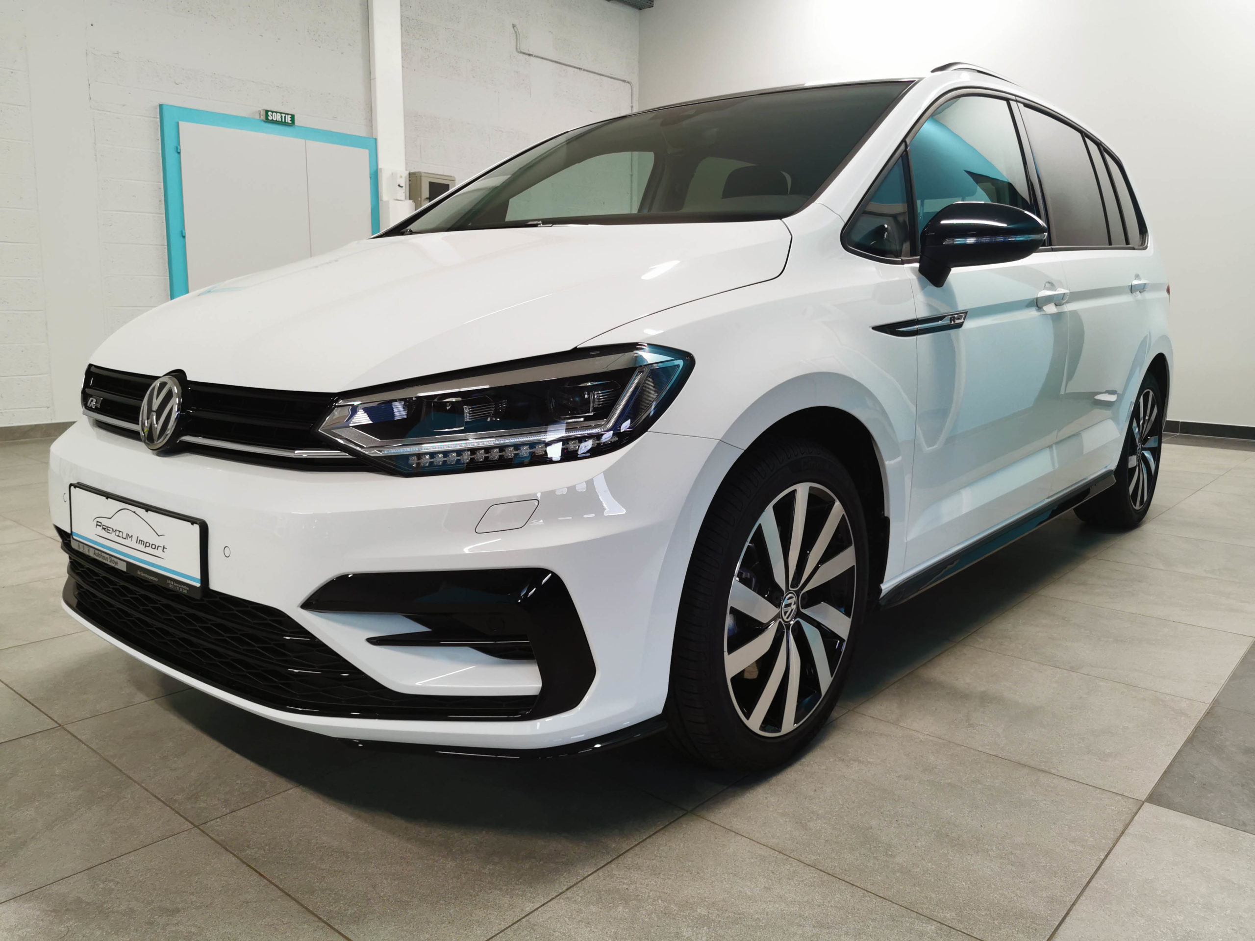 Read more about the article VW Touran R-Line 2.0 TDI – DSG