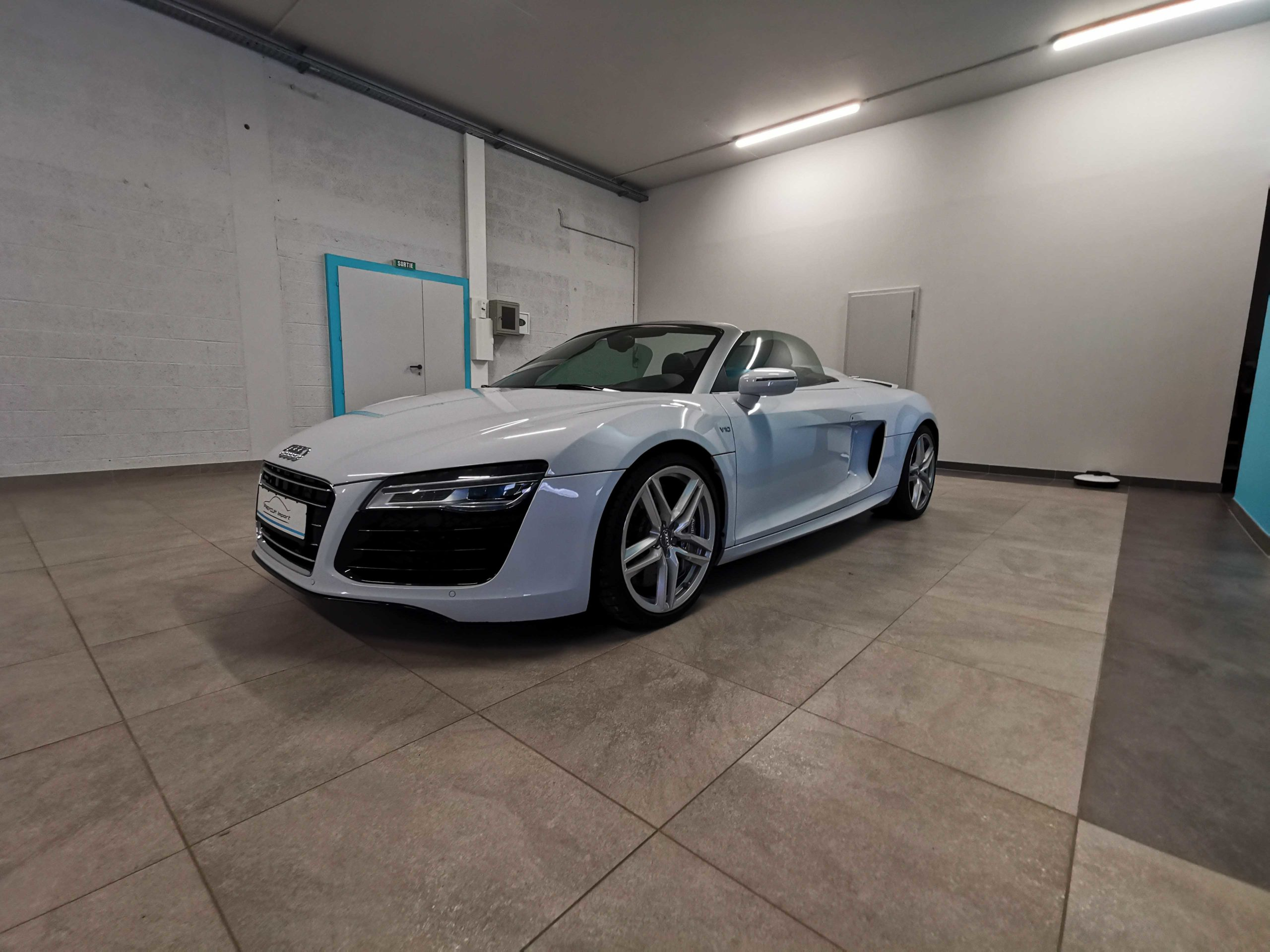 Read more about the article Audi R8 V10 Spider