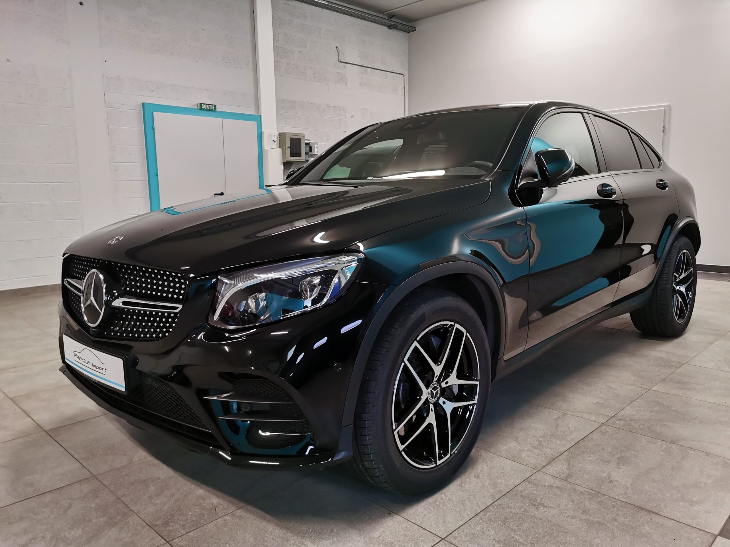 Read more about the article MERCEDES-BENZ GLC 350d 4Matic Coupé – AMG