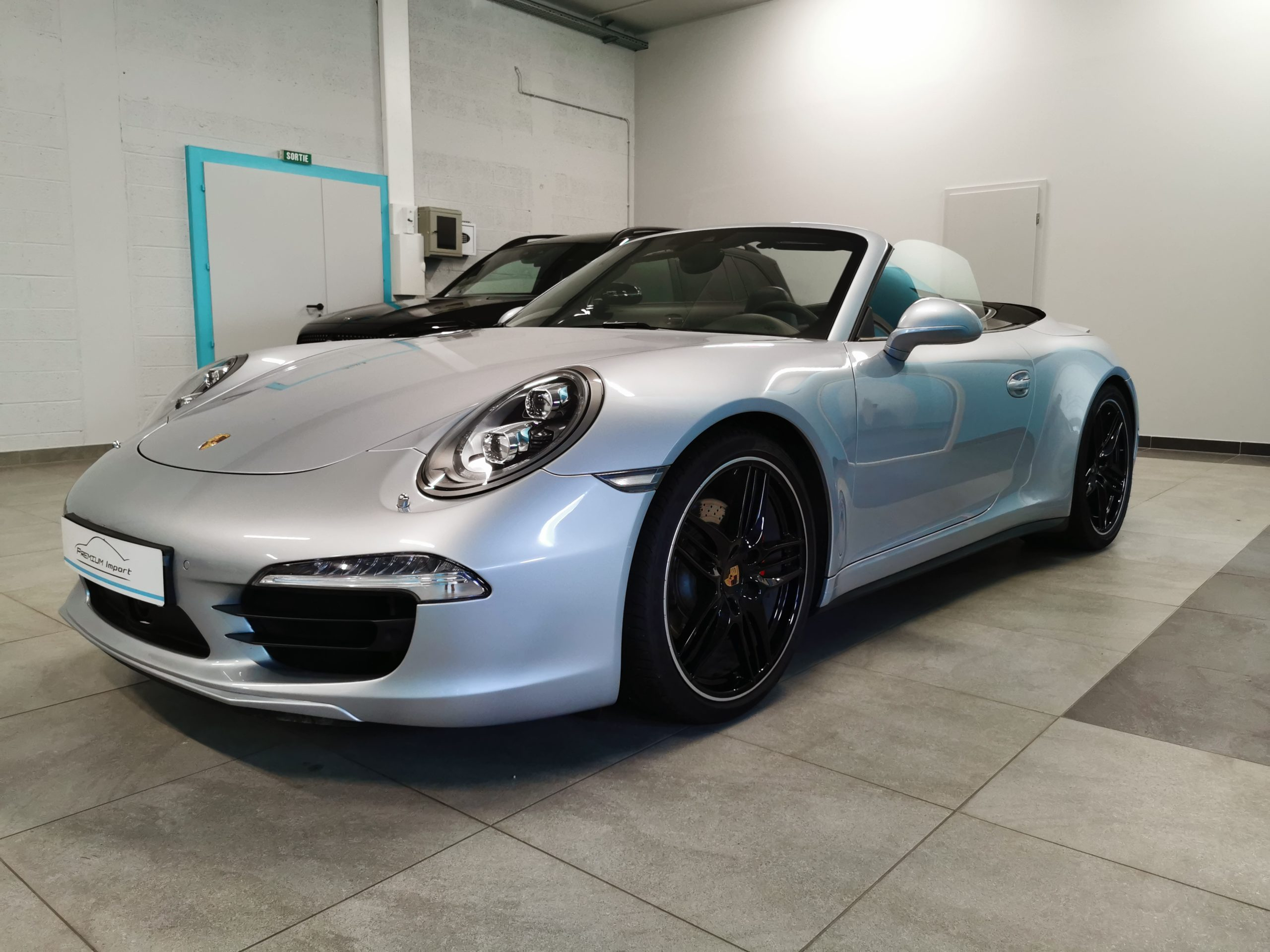 Read more about the article PORSCHE 911 type 991 Carrera 4S Cabriolet