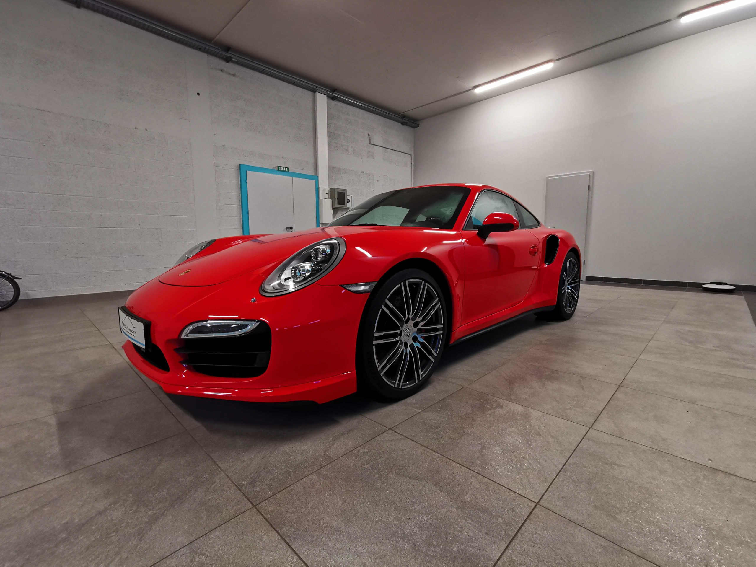 Read more about the article PORSCHE 911 type 991 Turbo