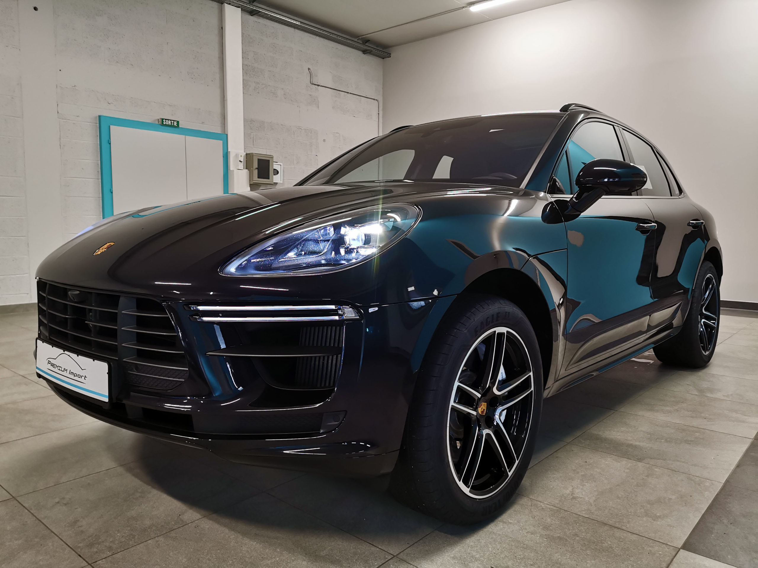 Read more about the article PORSCHE MACAN TURBO – V6 3.0L – 441ch