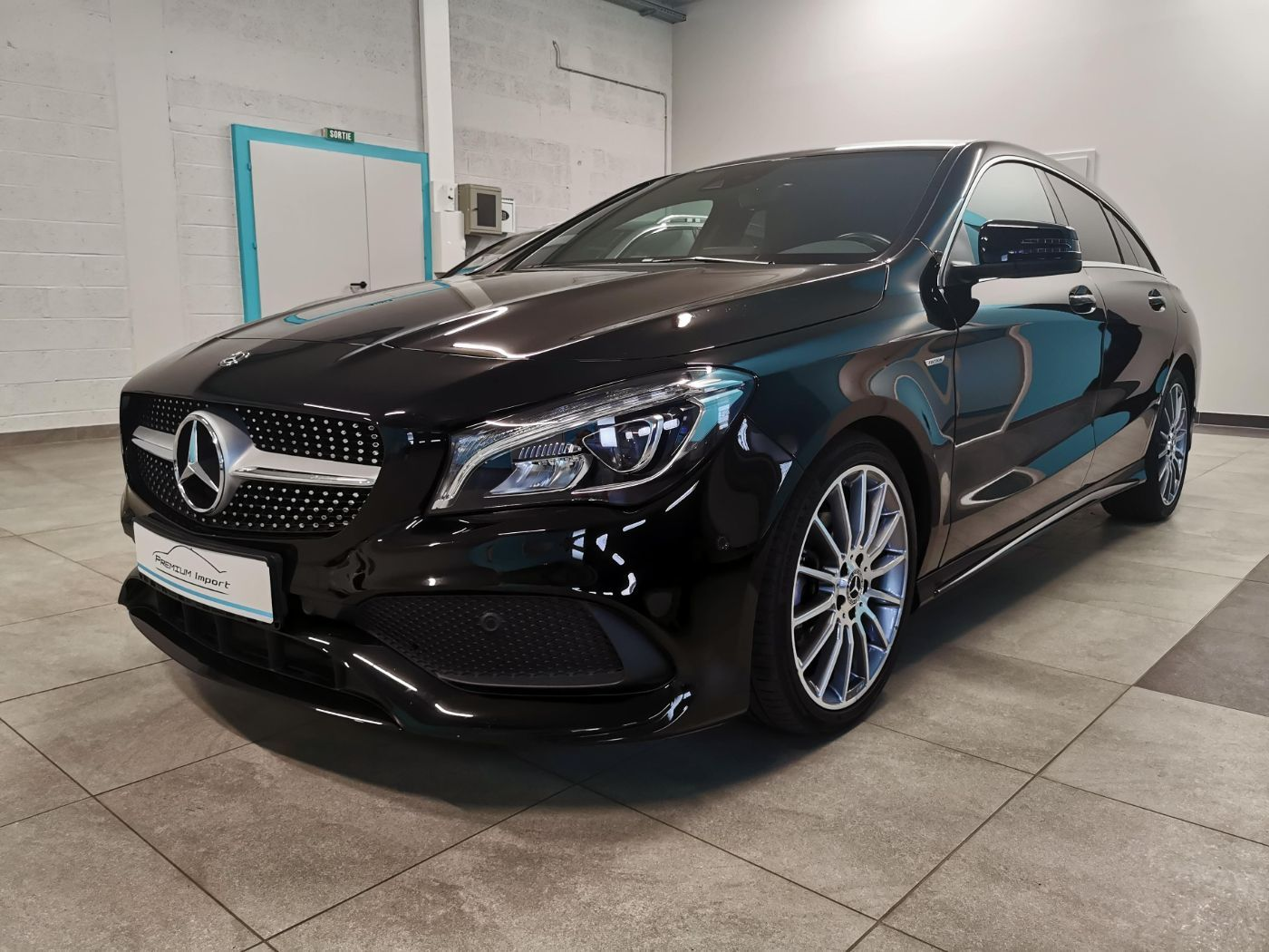 Read more about the article MERCEDES-BENZ CLA 220d SB – Pack AMG